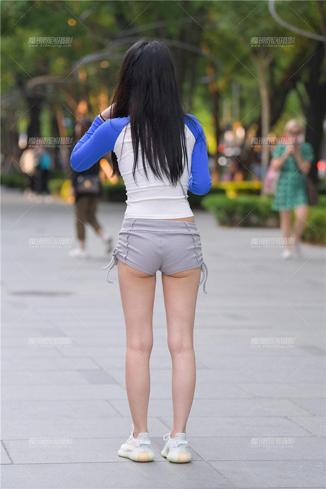 [街拍热裤系列] 灰色热裤女孩