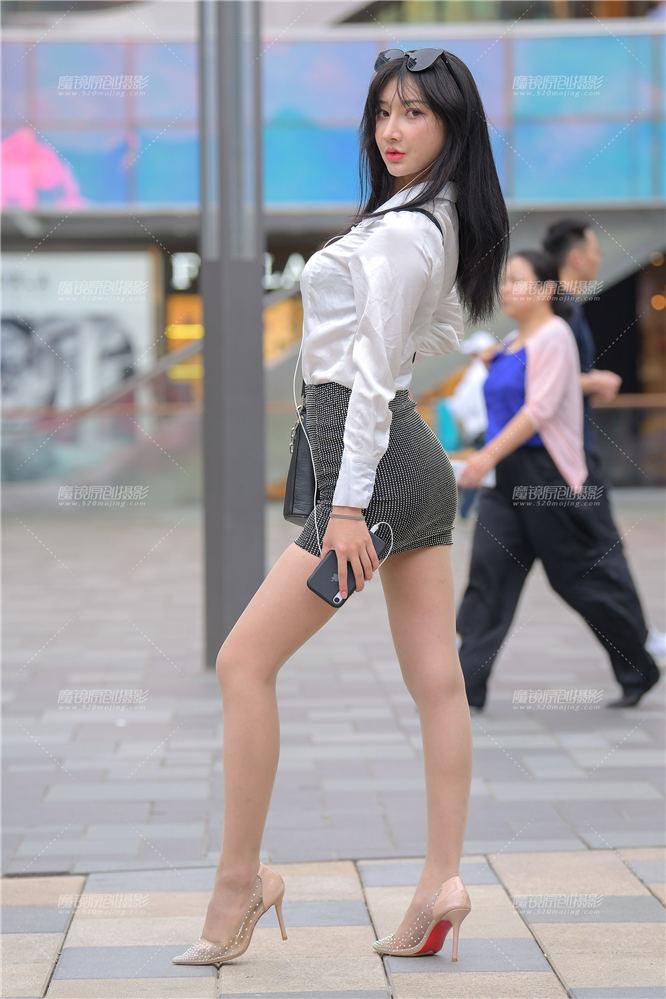[街拍裙装系列] 【街拍之魂赛帖】够妩媚吗